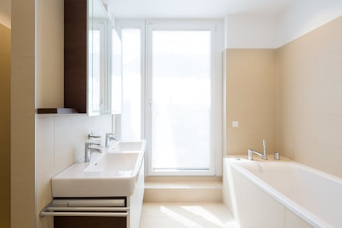 Badezimmer: moderne Badezimmer von Kathameno Interior Design e.U.