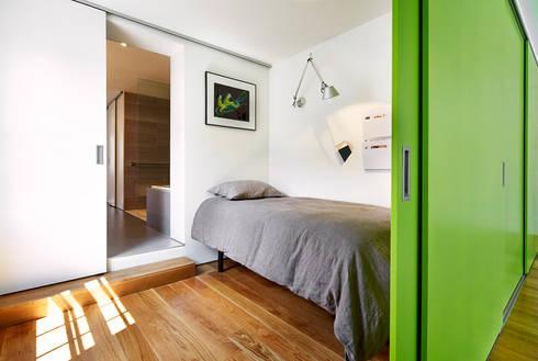 Salt + Pepper House: modern Bedroom by KUBE Architecture