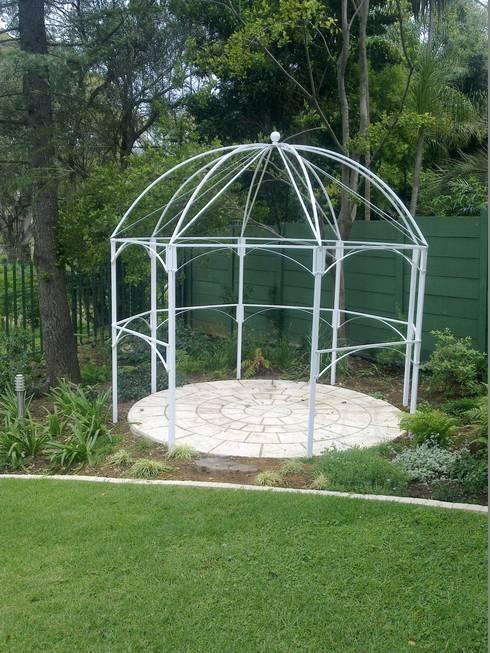 STEEL GAZEBO: classic Garden by Oxford Trellis