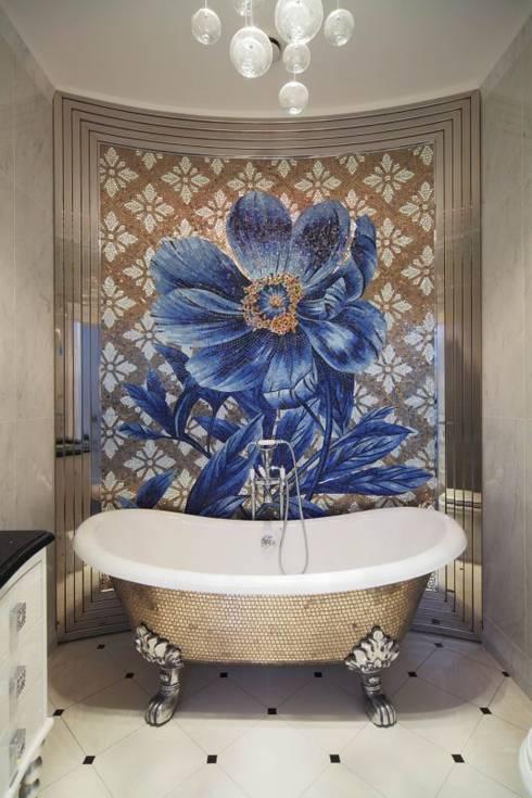 Стиль Luxury для жизни: Ванные комнаты в . Автор – Студия дизайна интерьера 'Градиз'