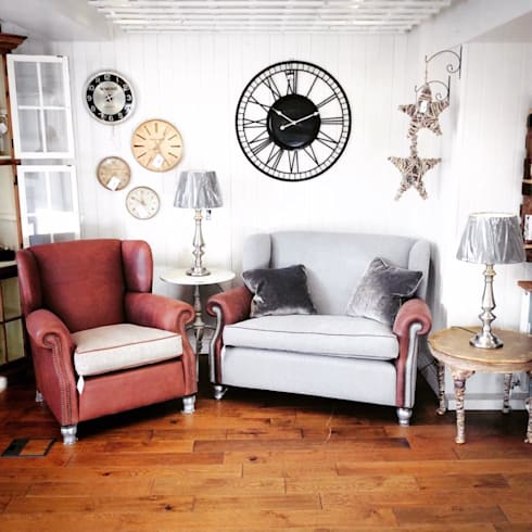 INTERIOR DESIGN SHOWROOM: eclectic Living room by Interiors at Nine to Eleven
