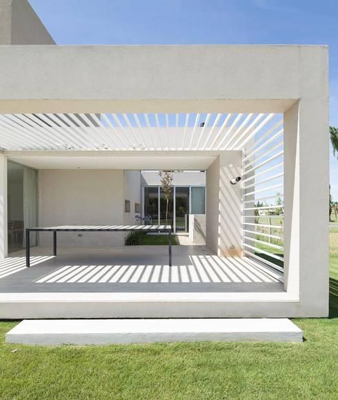 Jardines de estilo  por DMS Arquitectura