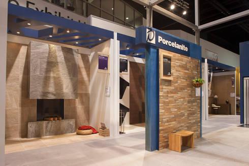 Porcelanite Lamosa Coverings 2013: Estudios y oficinas de estilo moderno por Local 10 Arquitectura