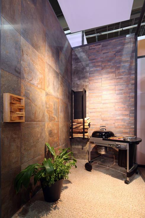Stand Bambú - Local 10 Arquitectura: Estudios y oficinas de estilo moderno por Local 10 Arquitectura