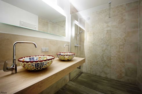 Originelle handbemalte waschbecken f r die g ste toilette for Unglaublich mediterrane badezimmer fliesen bunt