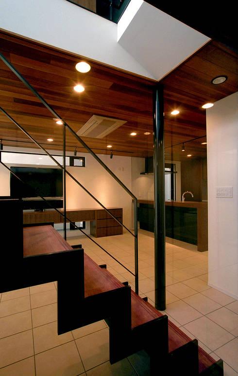 Kazuro Otsubo Architects 大坪和朗建築設計事務所의  복도 & 현관