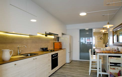 Pandan Garden Renovation: classic Kitchen by Designer House