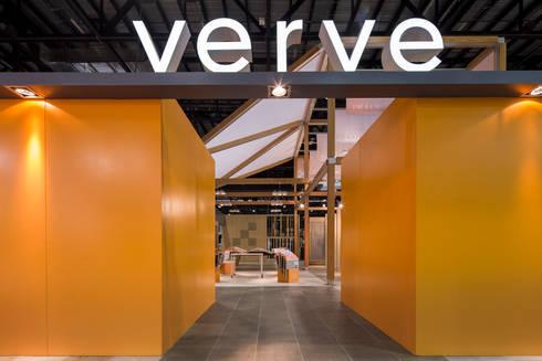 Stand Natura - Local 10 Arquitectura: Estudios y oficinas de estilo moderno por Local 10 Arquitectura
