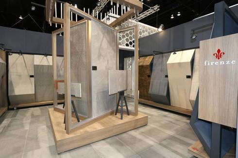 Stand Coleccion Nuevo Leon - Local 10 Arquitectura: Estudios y oficinas de estilo moderno por Local 10 Arquitectura