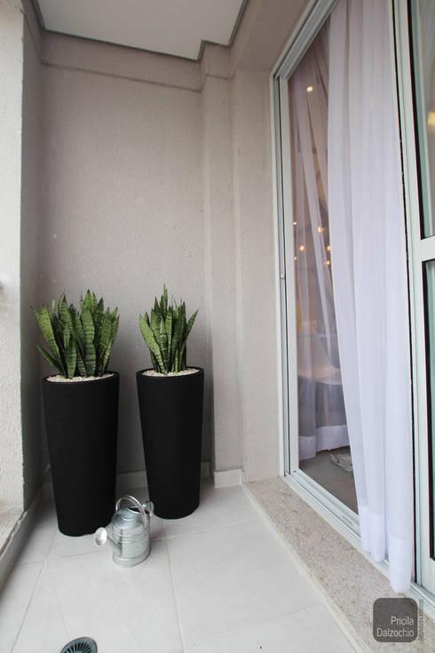 Terraço Urbe: Terraços  por Pricila Dalzochio Arquitetura e Interiores