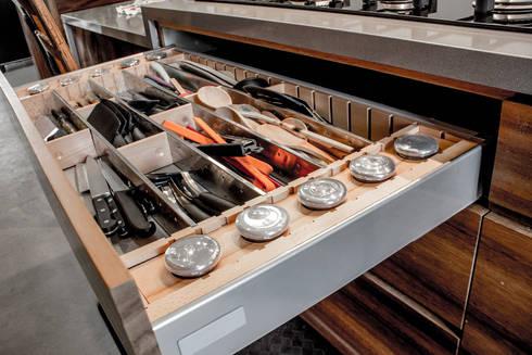 San Angel: Cocinas de estilo moderno por 2M Arquitectura