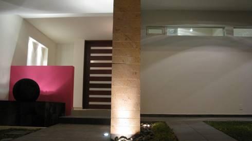 Luz: Casas de estilo minimalista por Bojorquez Arquitectos SA de CV