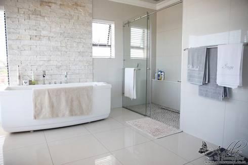 House Shenck Rerh: modern Bathroom by Rudman Visagie