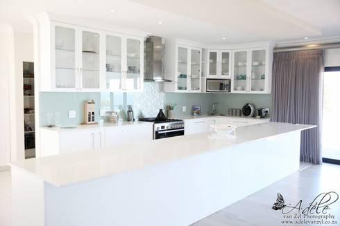 House Shenck Rerh: modern Kitchen by Rudman Visagie