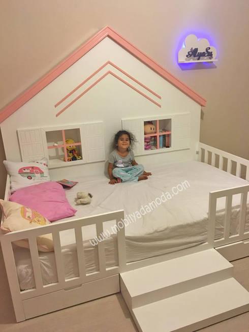 MOBİLYADA MODA  – Arkası Çatılı Montessori Yer Yatağı :  tarz Çocuk Odası