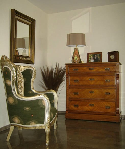 Taine Decor: Salas de estilo clásico por Erika Winters Design