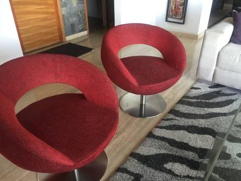 Proyecto Los Dos Caminnos: Salas / recibidores de estilo moderno por THE muebles