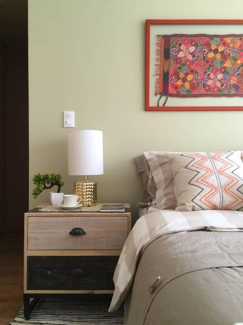 Choapan Decor by Erika Winters®Design: Recámaras de estilo ecléctico por Erika Winters® Design