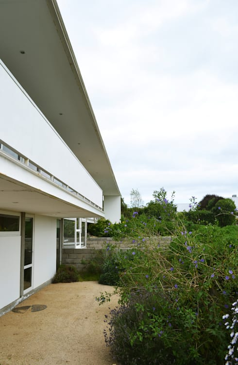 CASA P65: Casas de estilo mediterraneo por ESTUDIO BASE ARQUITECTOS