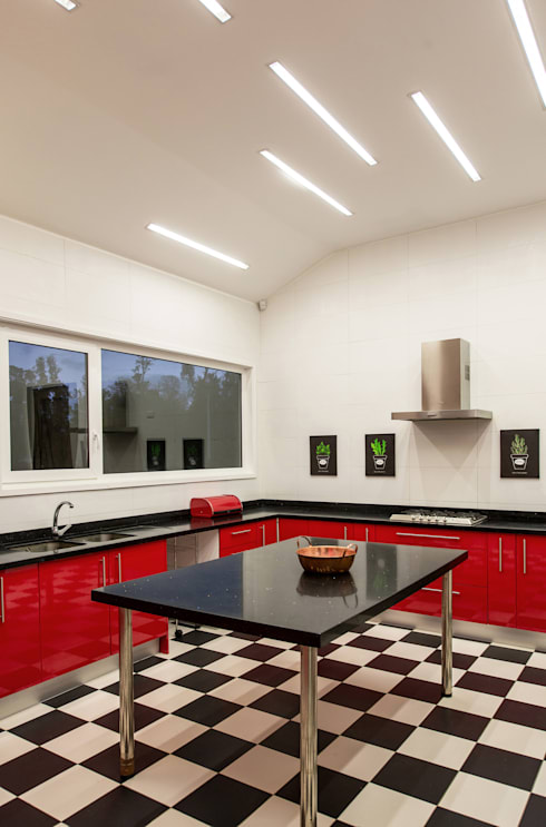 CASA RH: Cocinas de estilo moderno por ESTUDIO BASE ARQUITECTOS
