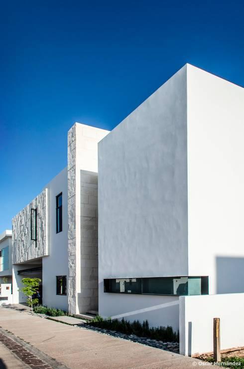 CASA MOLU / MARRAM ARQUITECTOS:  de estilo  por Oscar Hernández - Fotografía de Arquitectura