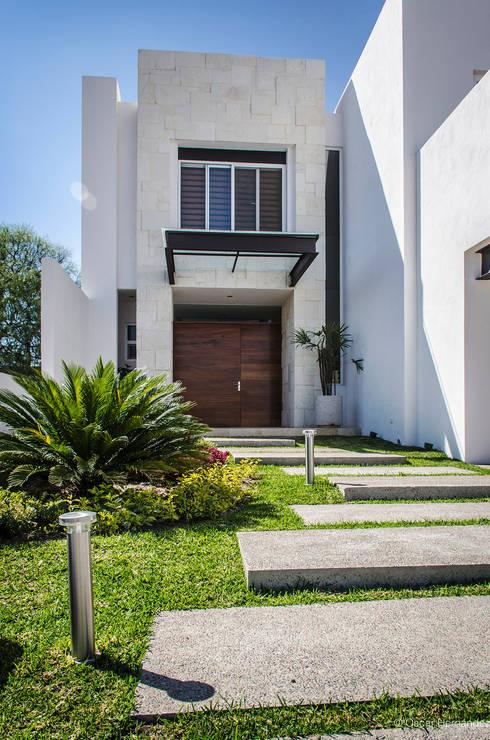CASA PRESA 158 / JAVIER VILLALOBOS - GRUPO V:  de estilo  por Oscar Hernández - Fotografía de Arquitectura