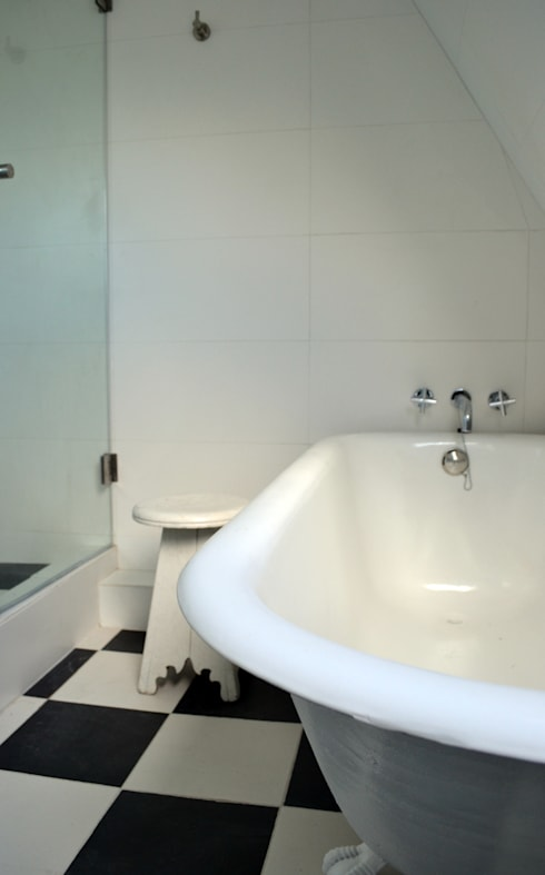 DEPTO. PSV.: Baños de estilo  por ESTUDIO BASE ARQUITECTOS