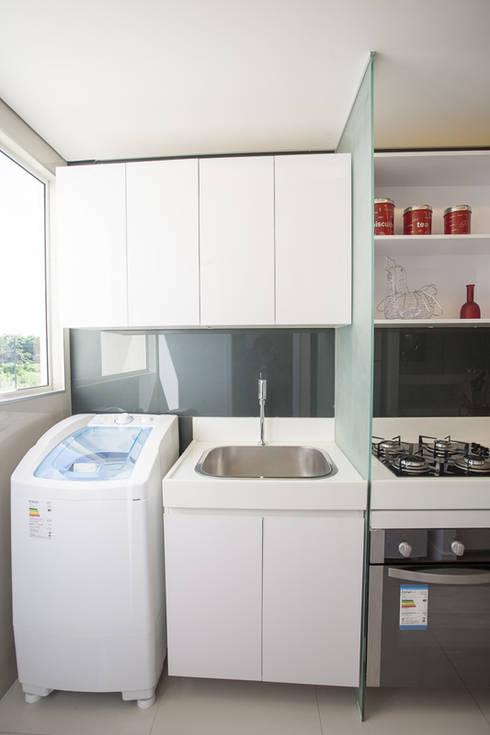 Condominio Laffite: Cozinhas modernas por POCHE ARQUITETURA