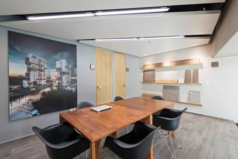 Showroom Punta Cascatta - Sala de Juntas Principal: Oficinas y tiendas de estilo  por MX Taller de Arquitectura & Diseño