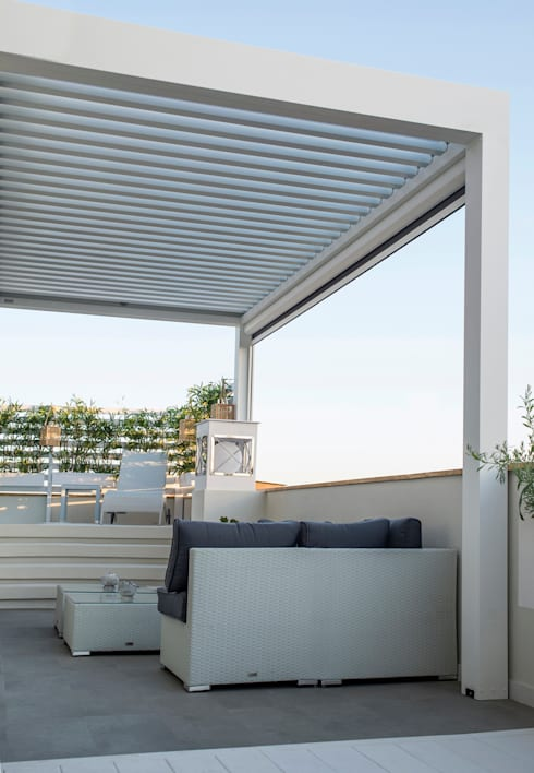 Terraza en atico con piscina y pergola de senza espacios - Piscinas para terrazas aticos ...