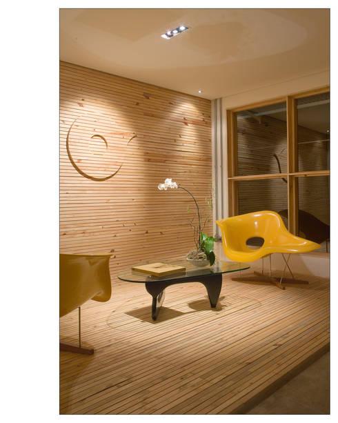 ห้องนั่งเล่น by Andréa Buratto Arquitetura & Decoração