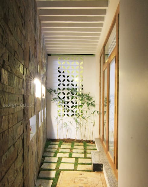 Gowrishankar Residence: modern Garden by Design Quest Architects