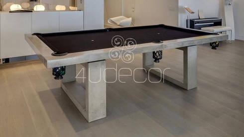 Mesa de Snooker revestida a Microcimento: Salas de estar modernas por 4Udecor Microcimento