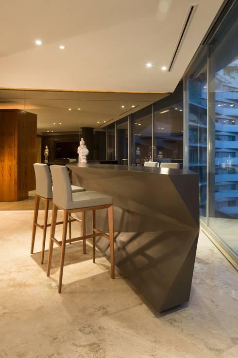 Departamento PC: Salas de estilo moderno por Línea Vertical