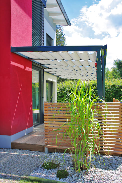 Jardines de estilo moderno por TOLDOS SPANNMAXXL.de