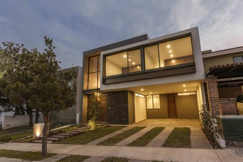 Vistas del Sol: Casas de estilo moderno por 2M Arquitectura