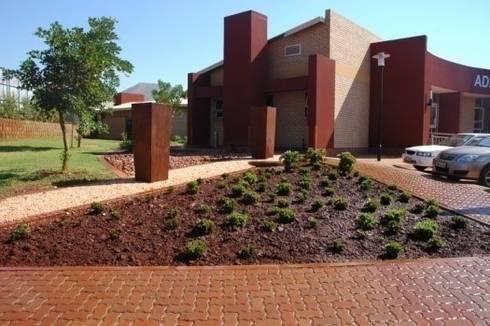 Thabazimbi Hospital:   by Mohlolo Landscape Architects