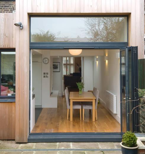 Cozinha aberta para sala: Jardins modernos por Architect Your Home