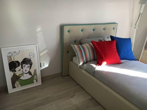 Pokój dziewczyn : styl , w kategorii Pokój dziecięcy zaprojektowany przez Perfect Home