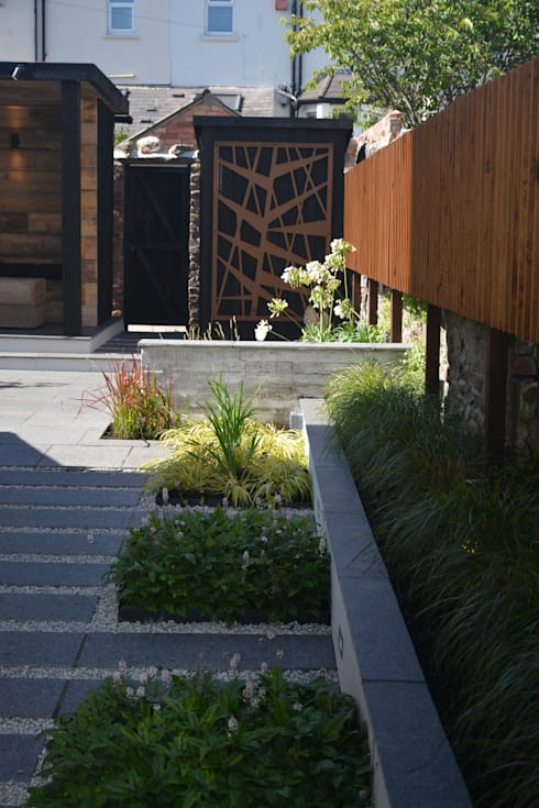 industrial Garden by Robert Hughes Garden Design