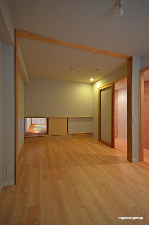 将来の間仕切りに簡単に対応する三方枠(Coresponde la futura independencia.): アグラ設計室一級建築士事務所 agra design roomが手掛けた子供部屋です。