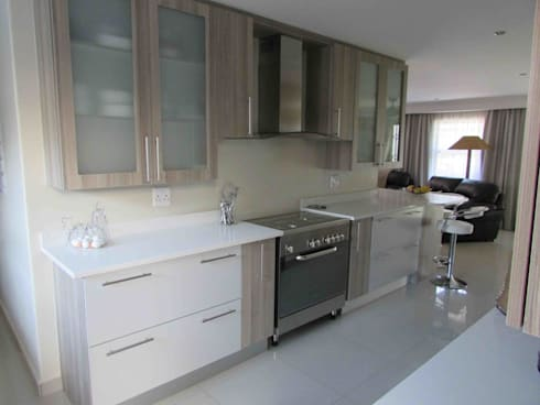 Extentions and Renovations: modern Kitchen by DG Construction