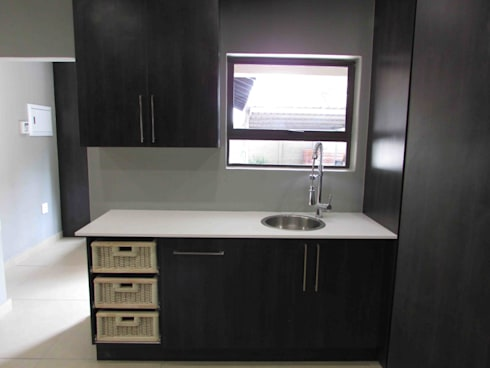 House Alterations, Internal Refurbishment and Extentions: minimalistic Kitchen by DG Construction