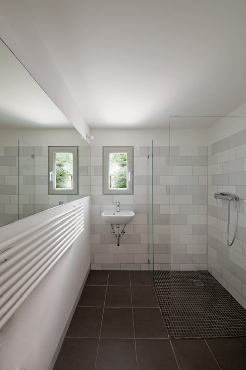 modern Bathroom by brandt+simon architekten