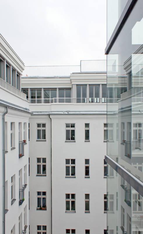 attic expansion: modern Houses by brandt+simon architekten