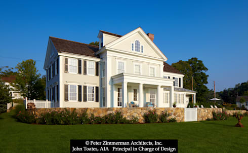 Front Facade: classic Houses by John Toates Architecture and Design