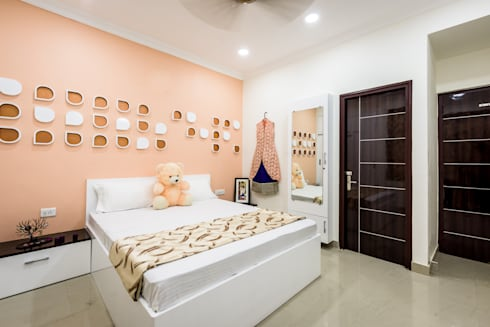Daughter's Bed Room: modern Bedroom by HGCG Architects