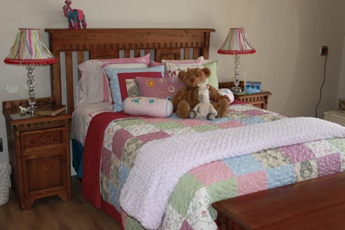 Custom designed Quilt: country Nursery/kid's room by Inside Out Interiors