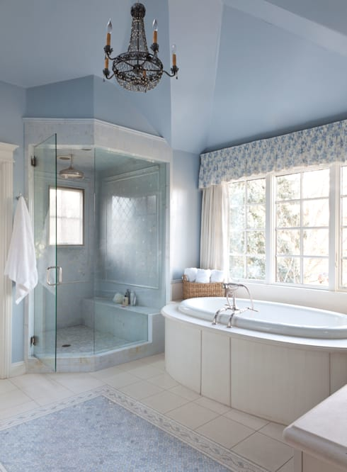 Belcaro Beauty: classic Bathroom by Andrea Schumacher Interiors