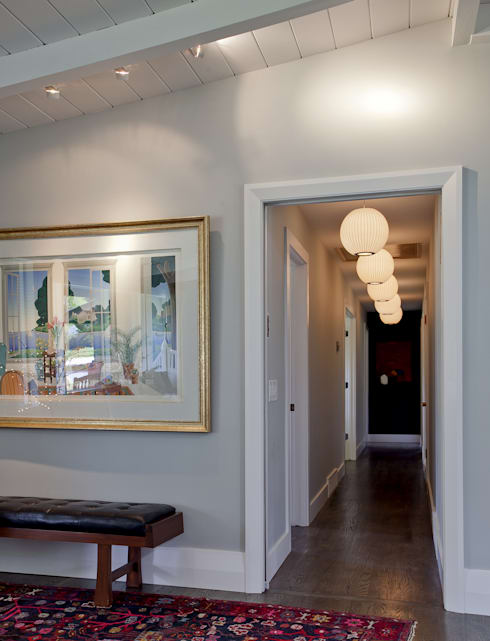 Wagon Trail:  Corridor & hallway by Andrea Schumacher Interiors
